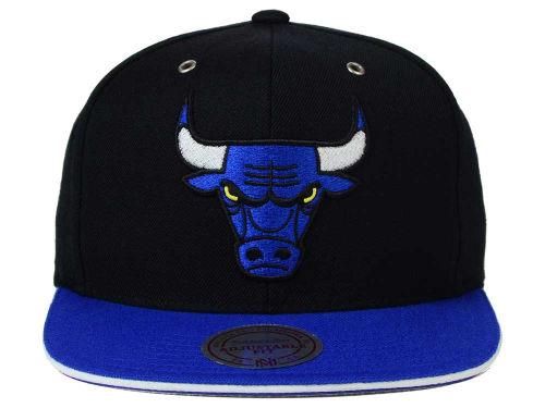 air-jordan-14-laney-bulls-hat-1
