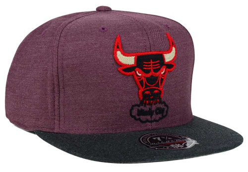 air-jordan-6-maroon-bulls-hat-mitchell-and-ness-2