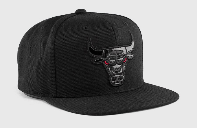61de2623ba6 Chicago Bulls 72 10 Hat Mitchell and Ness | SneakerFits.com