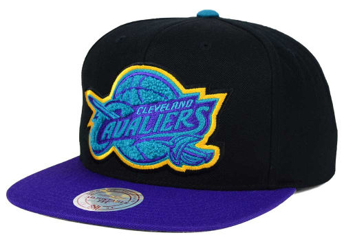 jordan-8-aqua-nba-cavs-hat-chenille-mitchell-and-ness