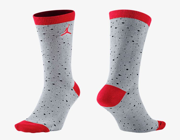 air-jordan-4-cement-socks-grey-red