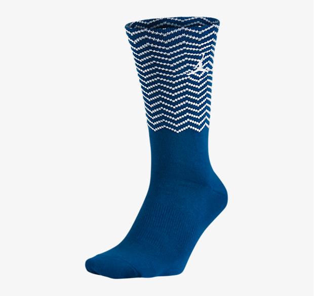 air-jordan-12-french-blue-socks-1