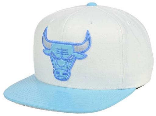 jordan-7-pantone-bulls-hat-mitchell-ness-1