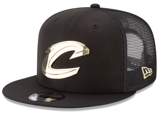 foamposite-metallic-gold-new-era-trucker-snapback-cap-cavs