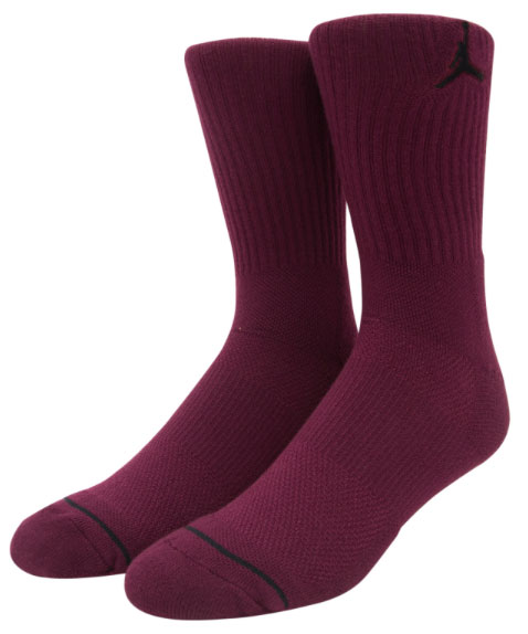 jordan-12-bordeaux-socks-1