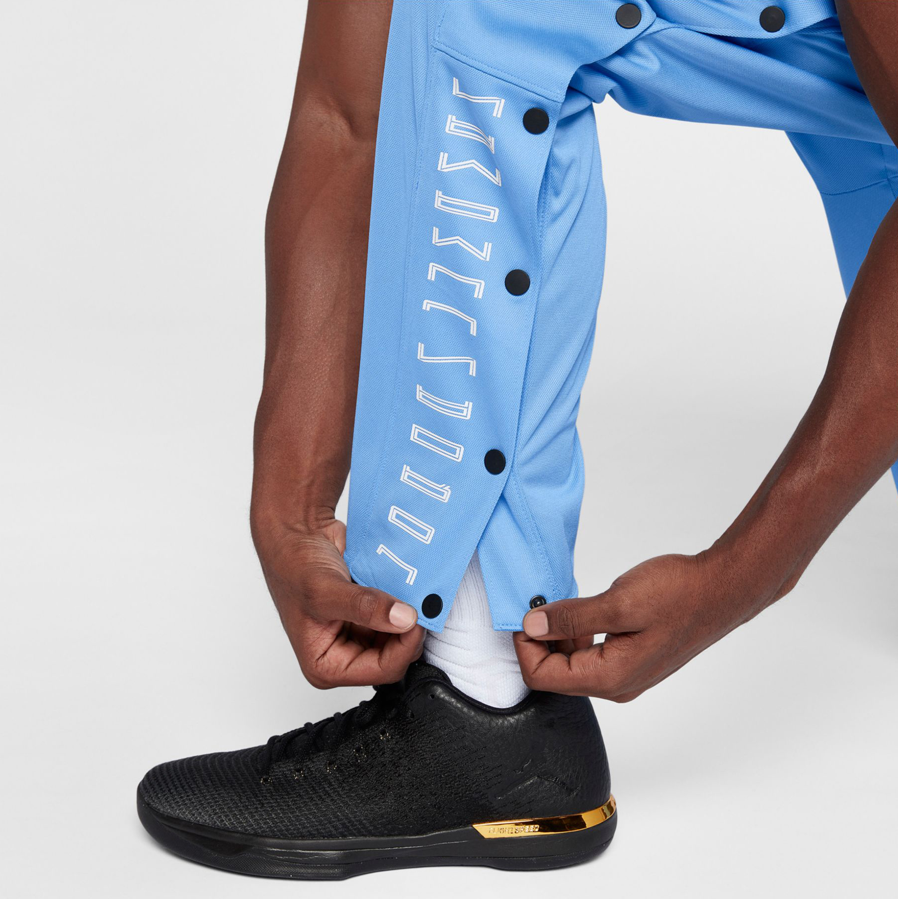 jordan-11-win-like-82-unc-pants-4