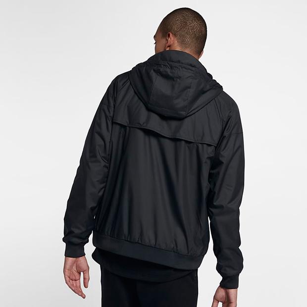 nike-winterized-windrunner-jacket-black-gold-4