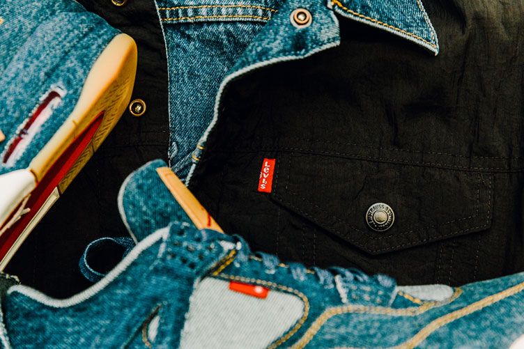 air-jordan-4-levis-trucker-jacket-4