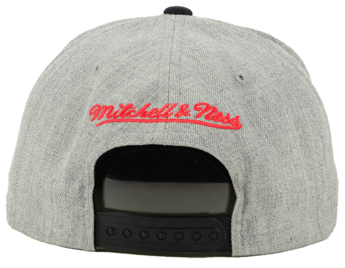 new product c3a1f b029f ... sweden black cement 3s bulls snapback hat 2. chicago bulls mitchell ness  cropped heather cap