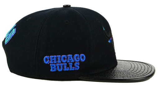 hyper-royal-jordan-13-bulls-hat-black-2