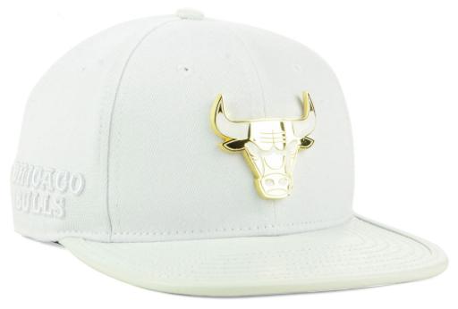 jordan-1-gold-toe-bulls-white-snapback-hat- 88048becd35