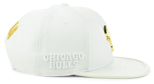 jordan-1-gold-toe-bulls-white-snapback-hat-2