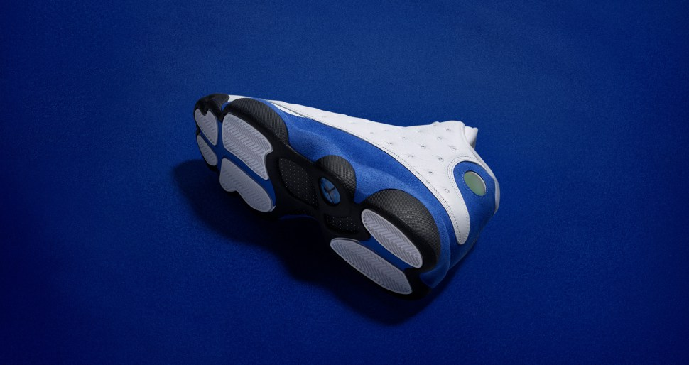 air-jordan-13-hyper-royal-apparel