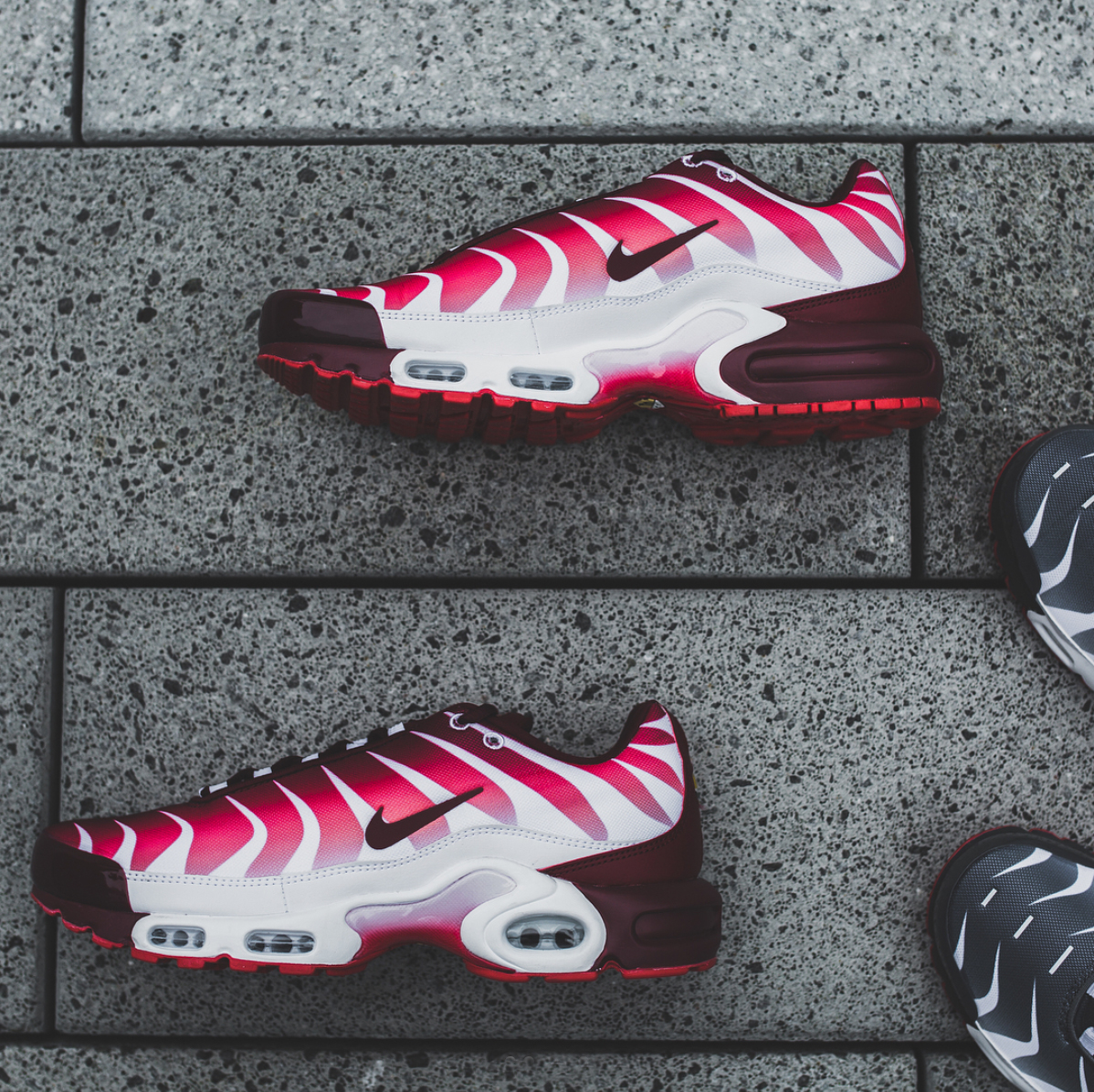 nike-air-max-plus-before-and-after-the-bite-3