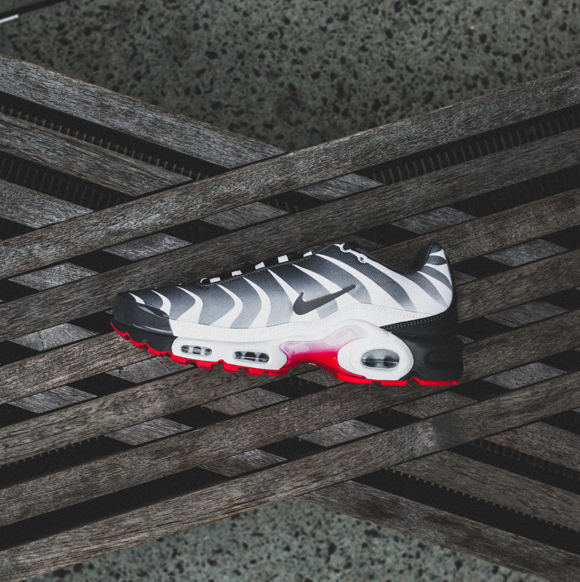 nike-air-max-plus-before-and-after-the-bite-7