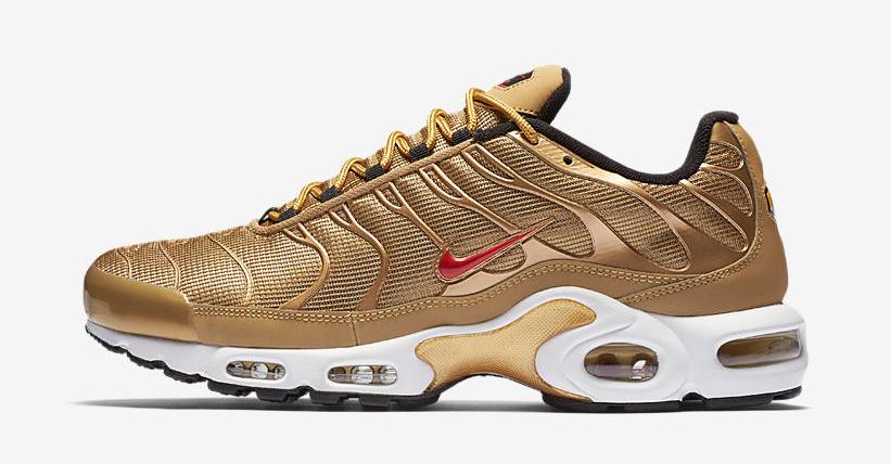 nike-air-max-plus-metallic-gold