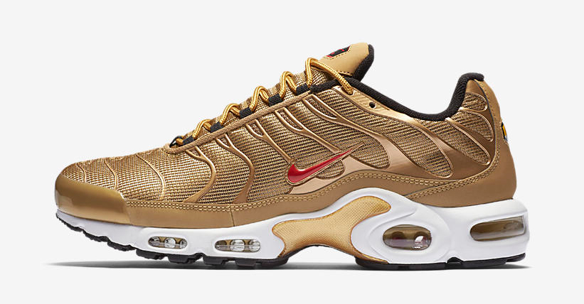 nike-air-max-plus-metallic-gold