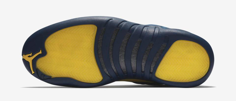 air-jordan-12-michigan-clothing-match-5