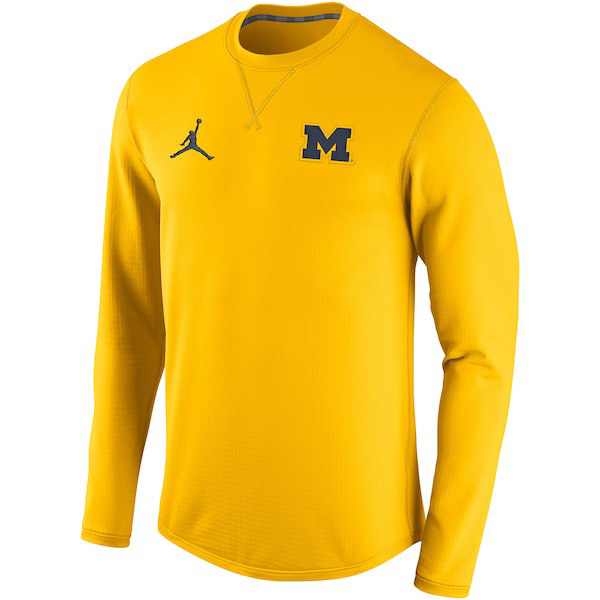 jordan-12-michigan-sweatshirt-2