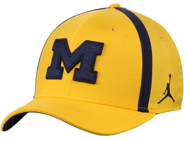 jordan-12-michigan-wolverines-hat-match-3