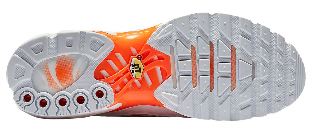 nike-air-max-plus-total-orange-white-mercurial-2