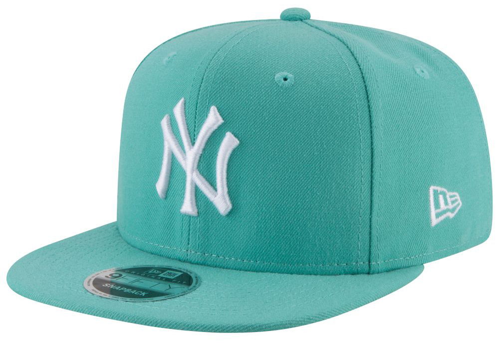 nike-air-more-money-wolf-grey-island-green-hat-match-6