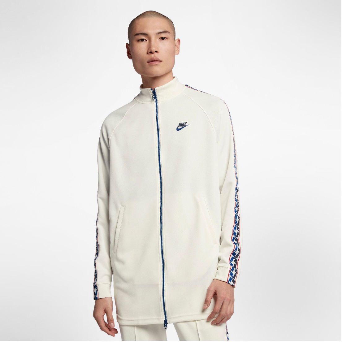 nike-alternate-galaxy-sneaker-jacket-match-1