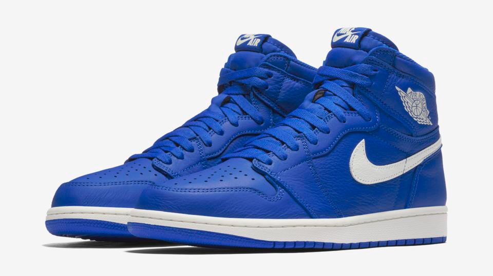 air-jordan-1-hyper-royal-release-date