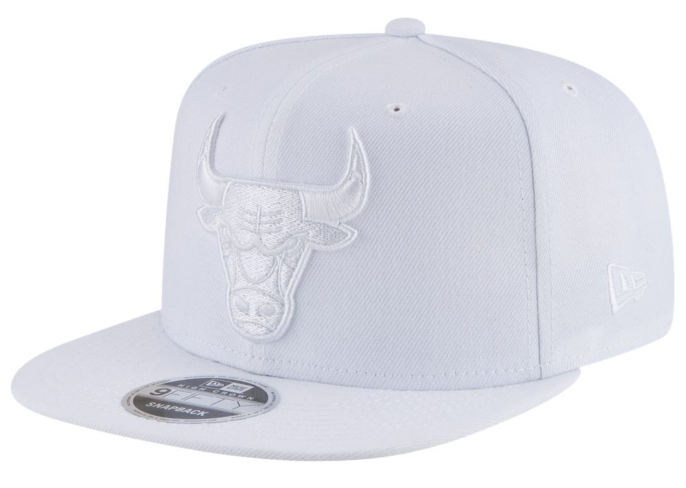 air-jordan-3-pure-triple-white-snapback-hat-bulls
