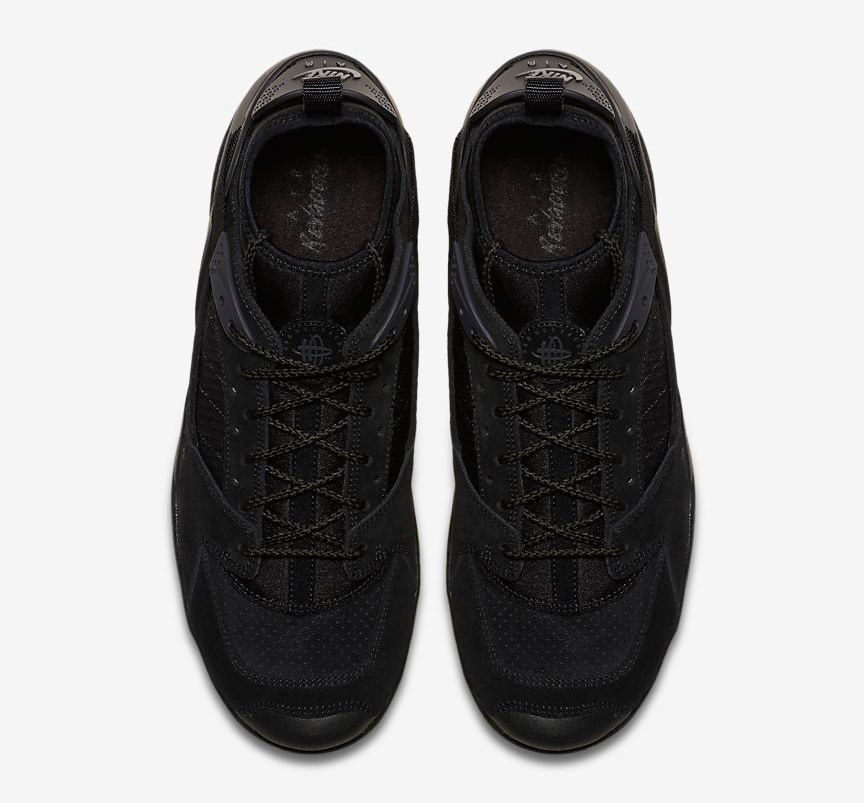 nike-acg-air-revaderchi-triple-black-3