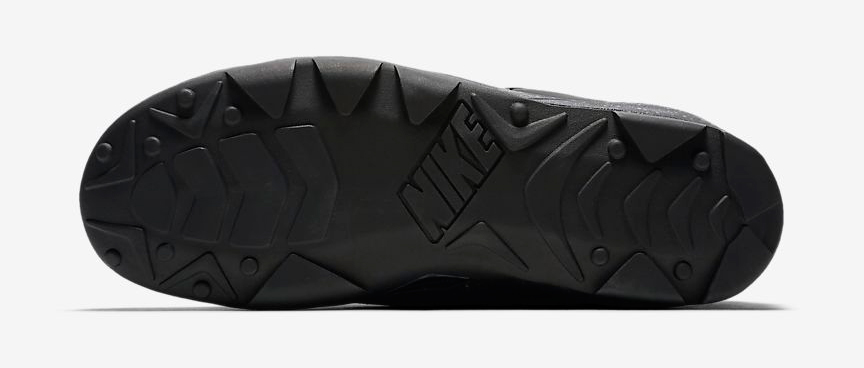 nike-acg-air-revaderchi-triple-black-5