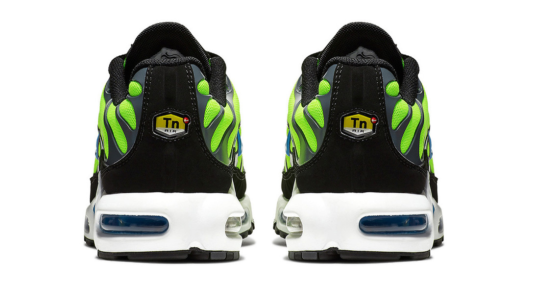 nike-air-max-plus-scream-green-4