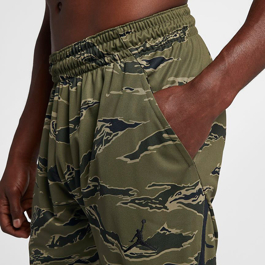chris-paul-jordan-12-olive-camo-pants-match-3