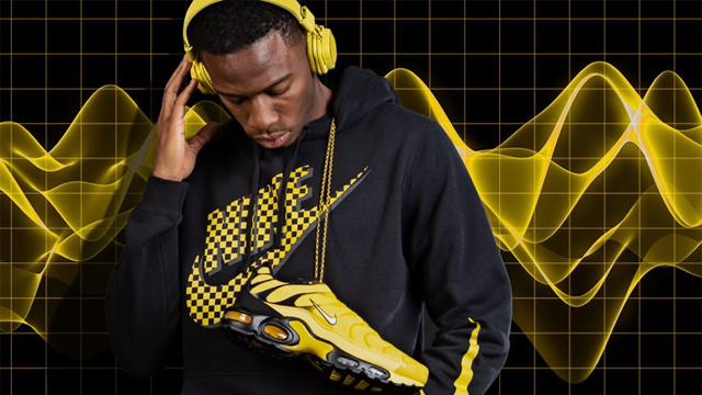 nike-air-max-frequency-hoodies