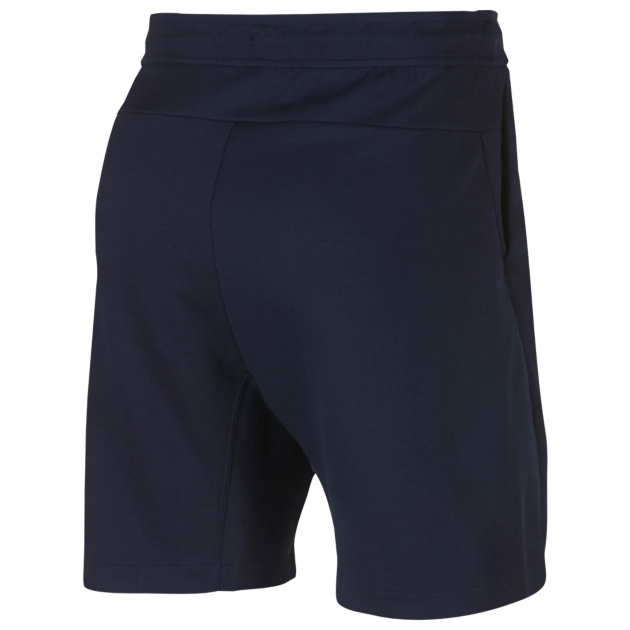 nike-air-max-origins-tech-fleece-shorts-match-2