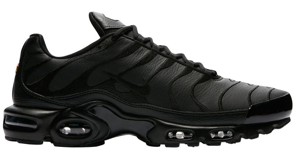 nike-air-max-plus-black-leather