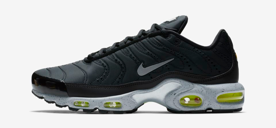 nike-air-max-plus-black-volt-green-release-date