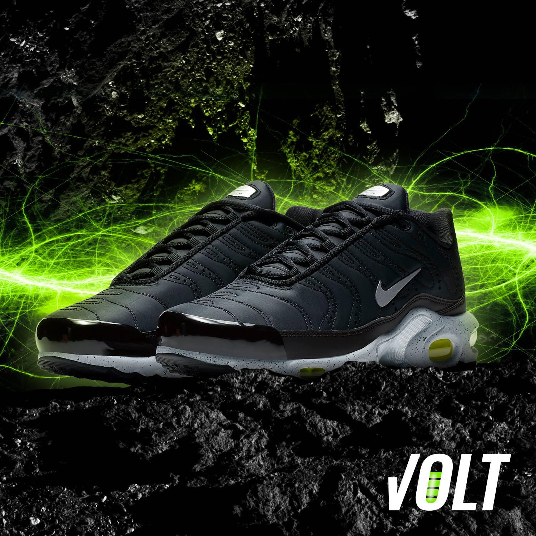 nike-air-max-plus-black-volt-green
