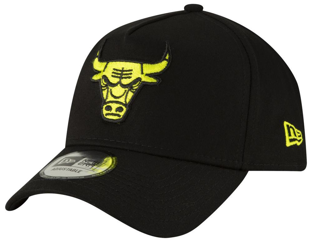 nike-air-max-plus-volt-hat-match-bulls