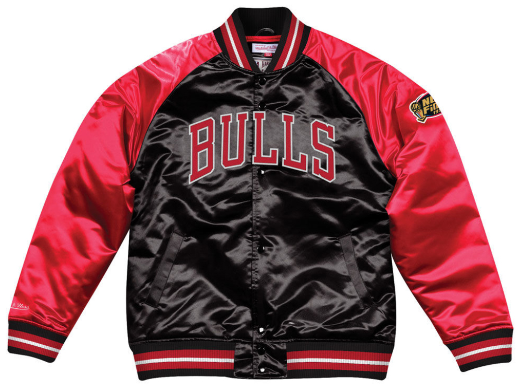 jordan-11-platinum-tint-bulls-jacket-match