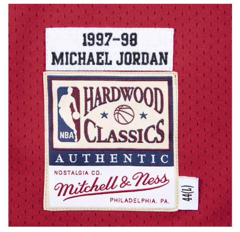 jordan-11-platinum-tint-bulls-michael-jordan-23-jersey-red-3