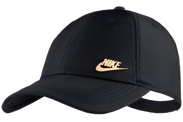 nike-foamposite-pro-black-gold-hat-match-4