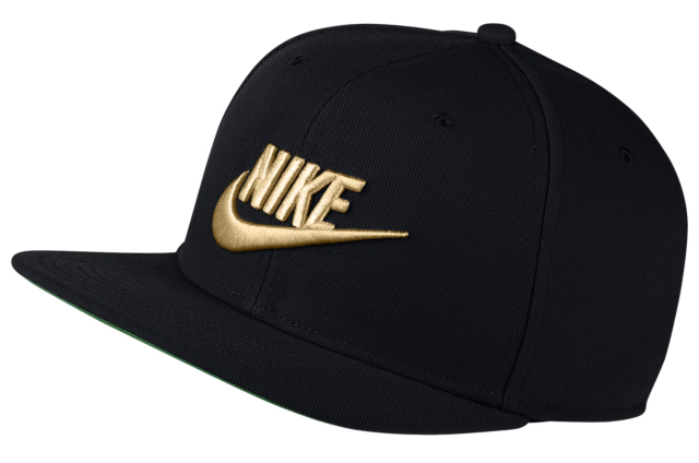 nike-foamposite-pro-black-gold-hat-match-6