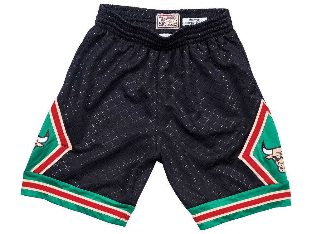 air-jordan-1-a-star-is-born-sports-illustrated-bulls-shorts-1