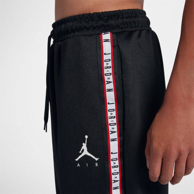 air-jordan-1-origin-story-spider-man-pants-match-3