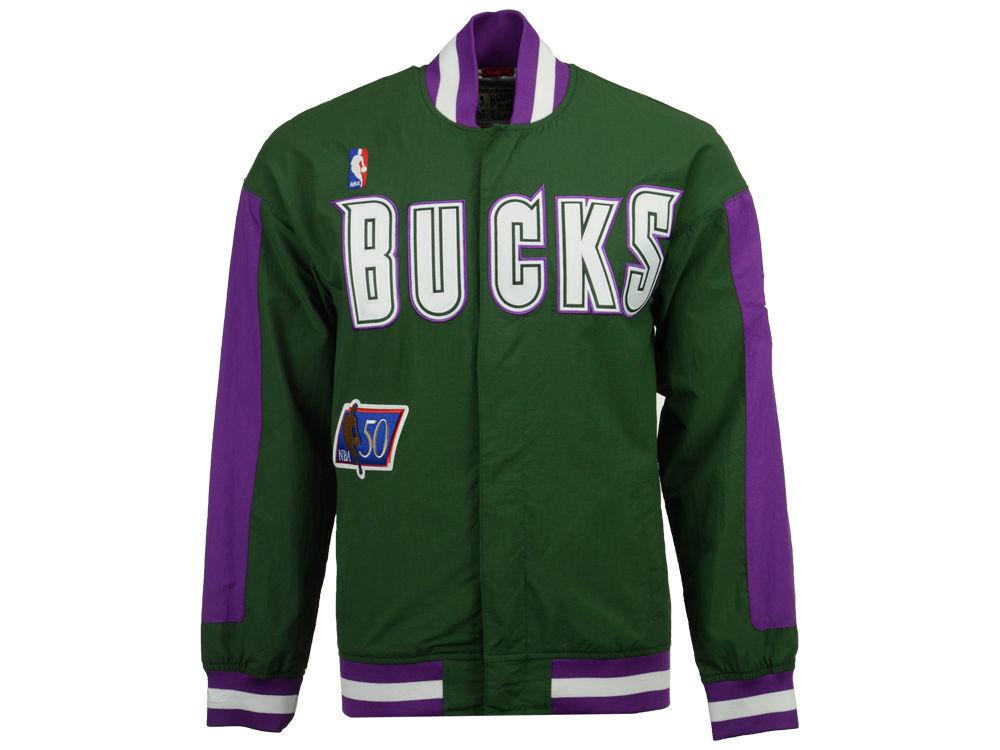jordan-1-a-star-is-born-sports-illustrated-bucks-retro-jacket