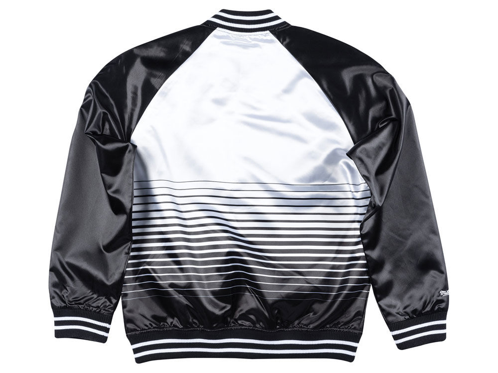 jordan-11-concord-mitchell-ness-bulls-jacket-2