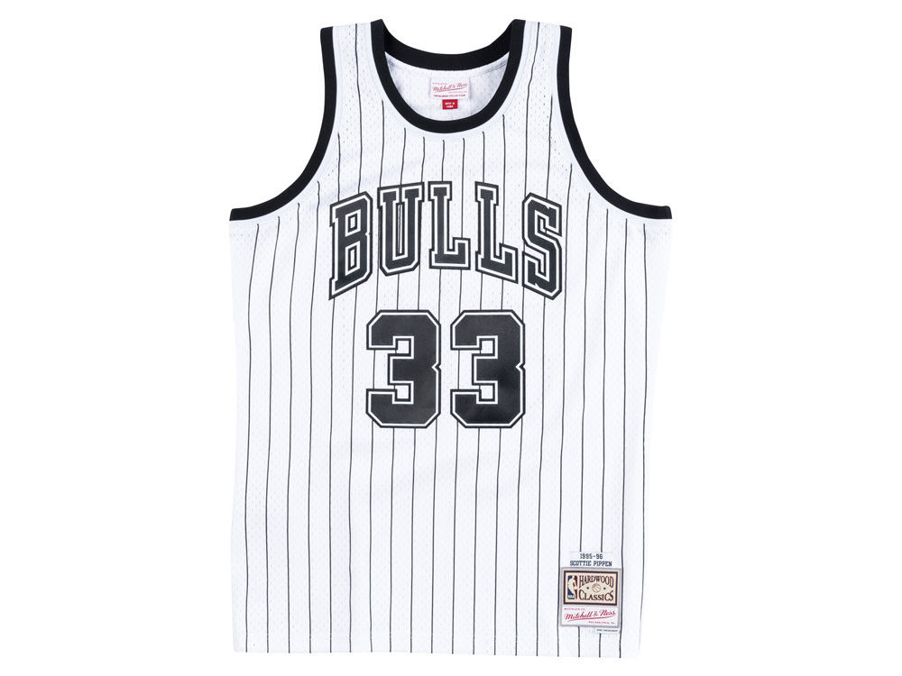 jordan-11-concord-mitchell-ness-bulls-pippen-jersey-1