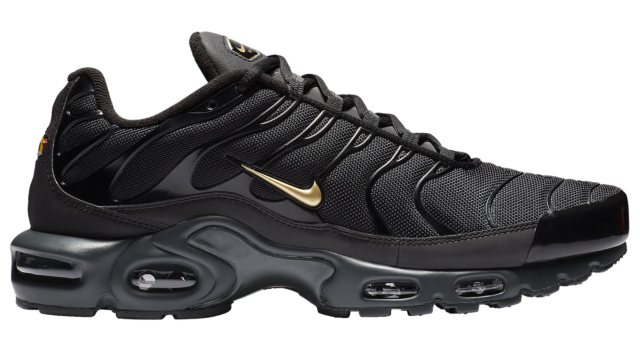 nike-air-max-plus-black-gold