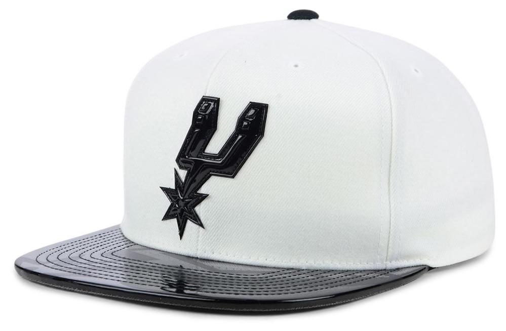 air-jordan-1-mid-kawhi-alternate-silver-spurs-hat-2